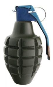 grenade fausse factice mk2 airsoft paintball scenario decoration militaire